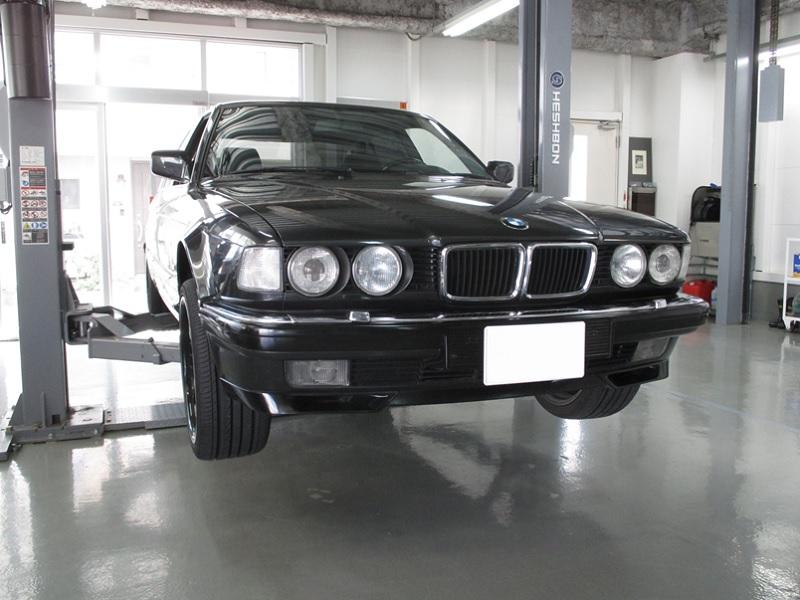 BMW-E32_NO.1